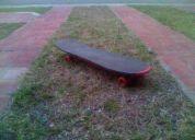 Patineta 4 ruedas tipo skateboard