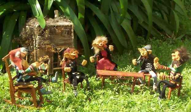 Artesanias argentinas duendes hadas elfos dragones - Casitas en el bosque ...