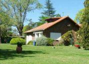 Hermosa casa quinta en el trébol, sobre lote de 1600 m2 !!! con 4 amb. !!!!