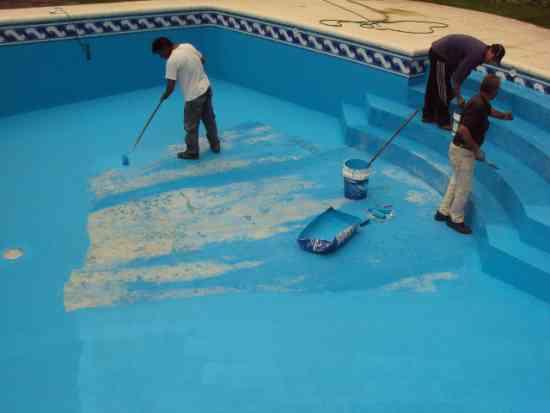 Fotos de limpieza y mantenimiento de piscinas y piletas de for Limpieza de piscinas