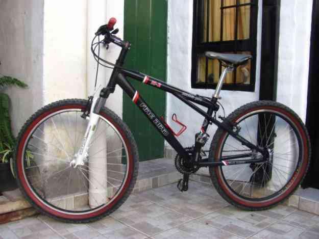 Vendo 2300 La Bici Es Rodado 26 Tiene Cuadro De Aluminio