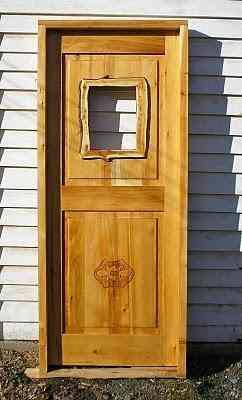 Puertas y ventanas rusticas y de estilos de madera cipres for Estilos de puertas de madera