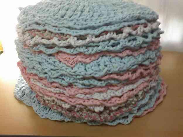 Alfombras de totora tejidas en crochet moreno doplim for Alfombras artesanales tejidas a mano