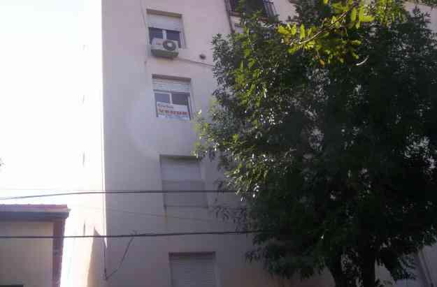 3 Ambientes frente con balcon frances