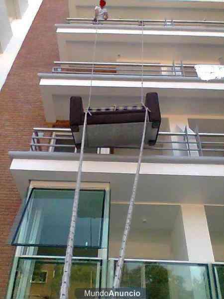 Camiones playos mudanzas complejas peones subidas con for Muebles de exterior para balcon