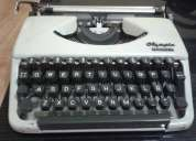 Regalo! máquina de escribir olympia splendid 33!