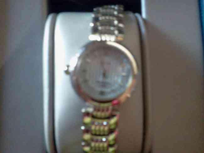 Vendo reloj montreal de dama urgente