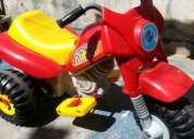 Moto triciclo a bateria 6v. para ambos sexos..