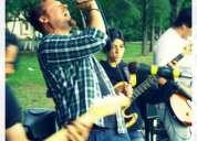 Cantante-guitarrista banda de rock alternativo
