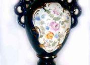 Jarron de porcelana pintado a mano cobalto y oro