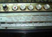 Rara radio grundig cuatro bandas ( l  - m  - k  - u) 220v
