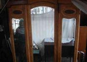 Ropero antiguo de roble macizo con espejos de cristal