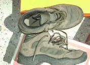 Zapatillas . hi-tec  34. varon usadas