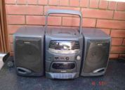 Equipo de audio marca sanyo modelo mcd-s735f