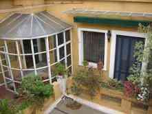 HABITACION CON BAÑO PRIVADO en gran casona antigua, patios, terraza, plantas