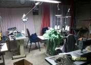Se ofrece taller de costura completo